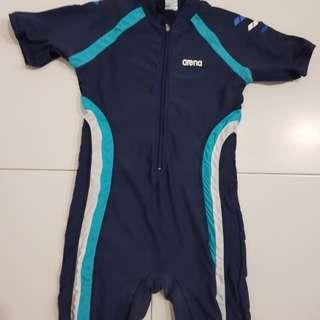 Arena boy's swimsuit size 26J