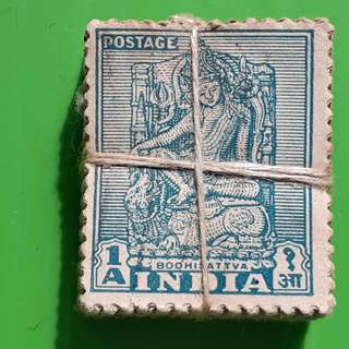 100 X india Definitive Vintage Stamps ( 1 BUNDLE ) - 1949 - Bodhisattva (Die-II) (Lucknow Museum) BUDDHA - ALL THE STAMPS ARE NICELY PACKED in bundle, (1 bundle = 100 stamps )