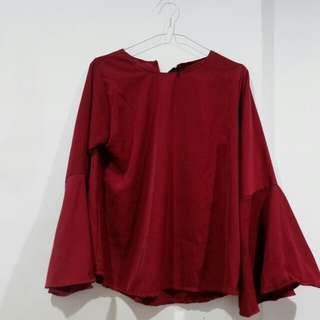 Maroon bell hand / flare hand blouse