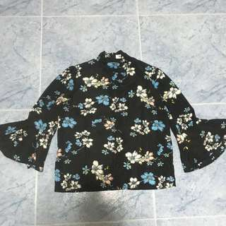 [INSTOCK] Floral printed long sleeve blouse
