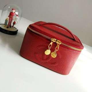 Chanel Vintage 紅色魚子醬化妝袋