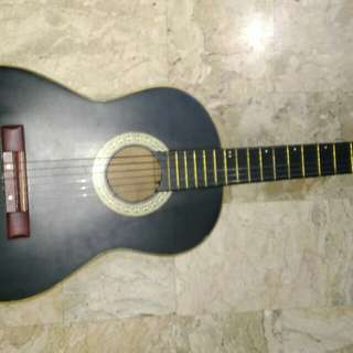 Old Lumanog Guitar