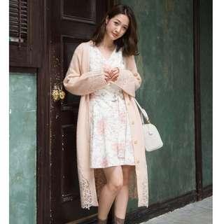 MERCURYDUO 2way 下襬蕾絲刺繡設計腰間綁帶針織罩衫洋裝 (粉色)