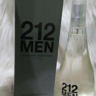 Parfum 212 MEN Carolina Herrera 100ML. Harga 35K 😍😍  Harumnya enakk banget,  pas buat pria nih.  Yukk buruan cuss order 😍