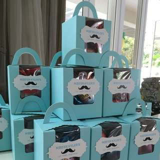 Goodie bag / party treat boxes