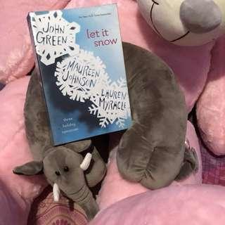Let It Snow by John Green, Maureen Johnson & Lauren Myracle