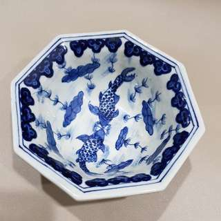 hexagon blue white bowl