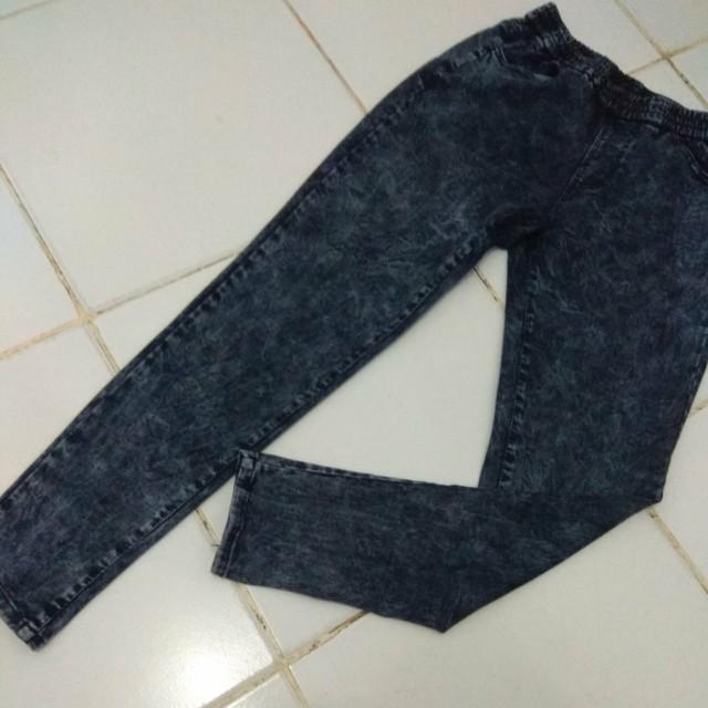 Acid jeans hitam keabu2an