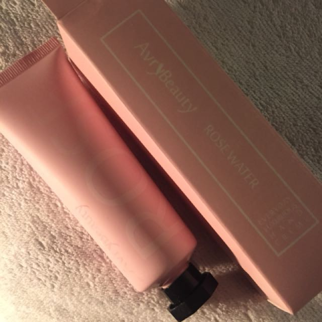 Avry Beauty Rose Water Hand Crème