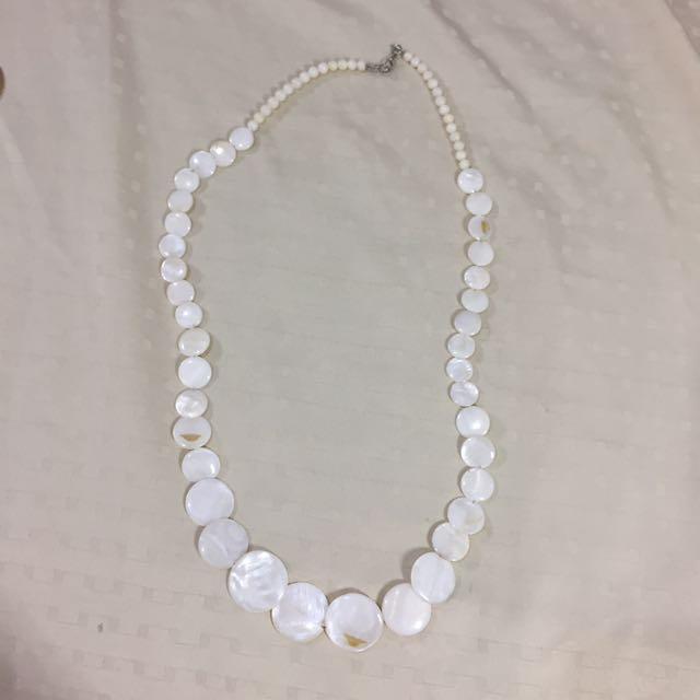 Beach necklace accessory