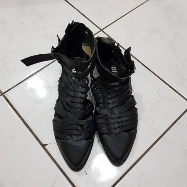Black Strap Boots