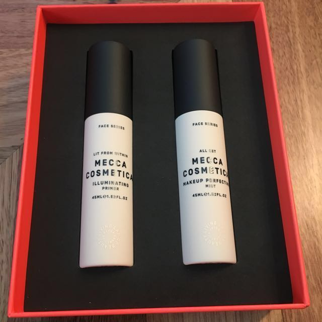 BNIB Mecca Cosmetica, Beauty Loop Birthday Box 2017