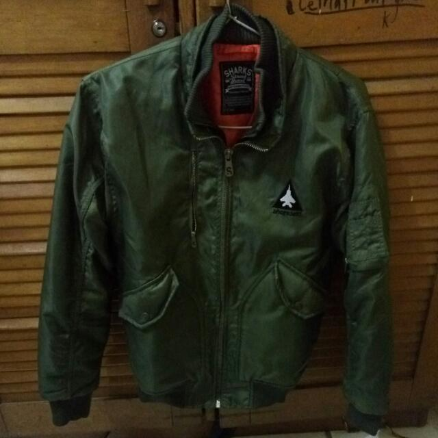 Bomber Jaket Sharks Size L Fit To M