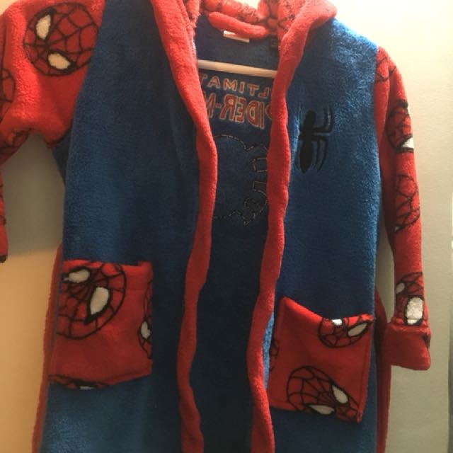 Boys Spider-Man robe size 3/4