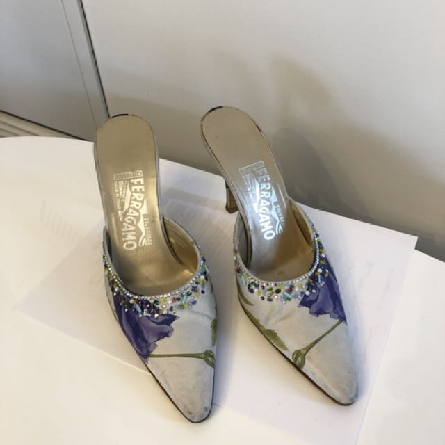 Ferragamo slip-on (authentic)