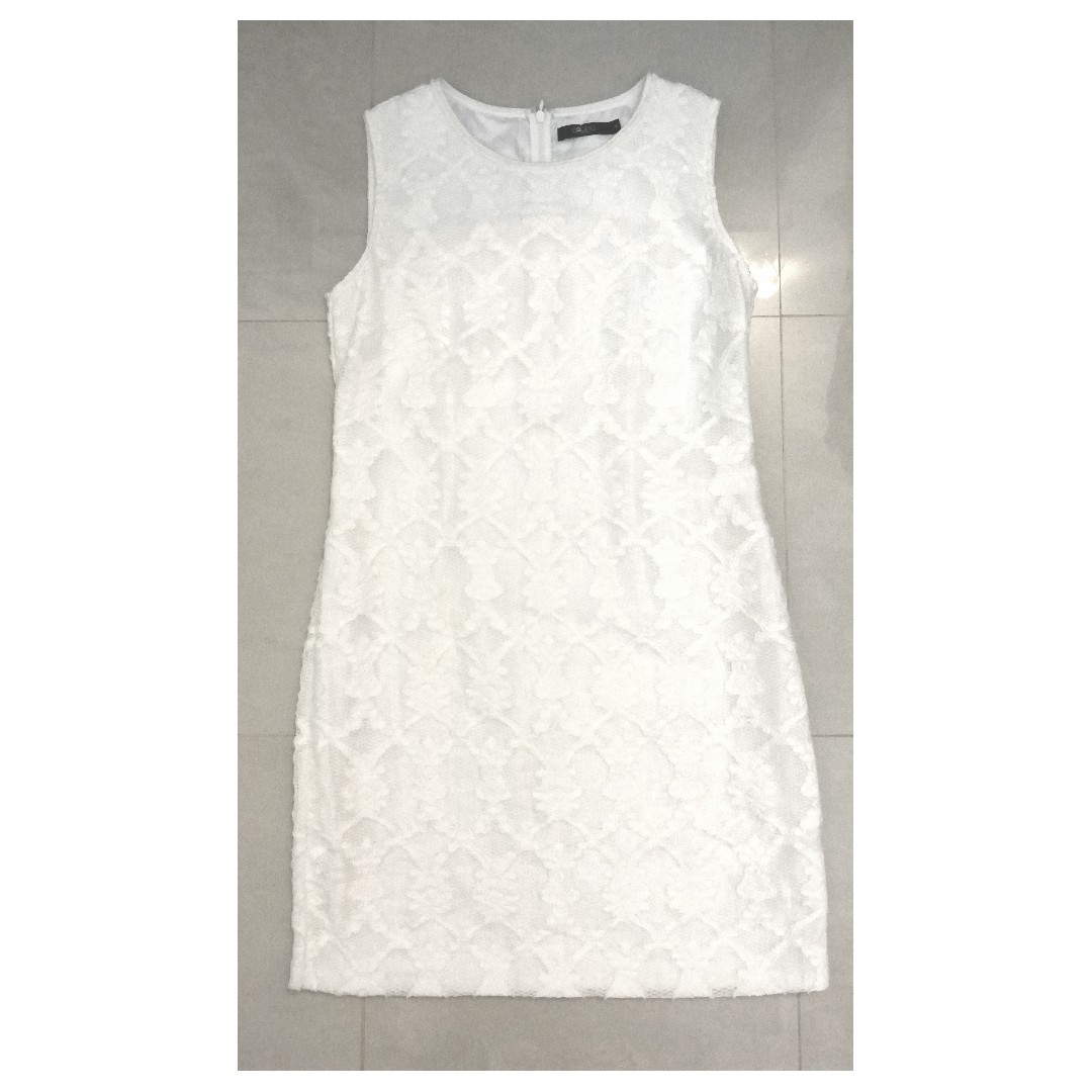 G2000 White Lace Embroidered/ Embossed Dress
