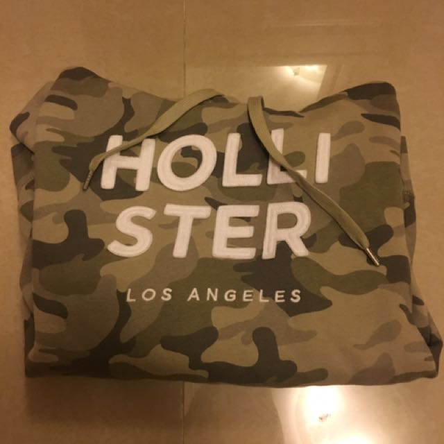 Hollister 迷彩 帽T