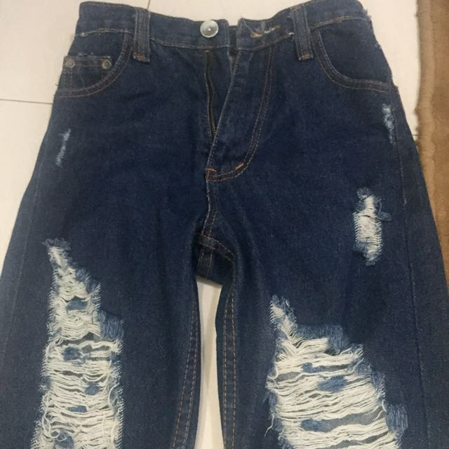Hw Jeans Ripped