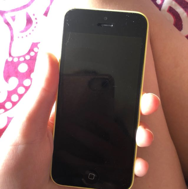 IPHONE 5 C BARELY USED