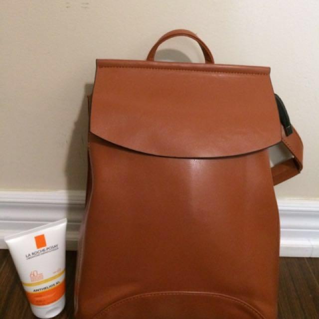 Knapsack / Shoulder bag Tan color
