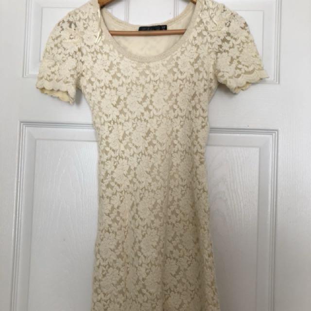 Lace Dress - size s