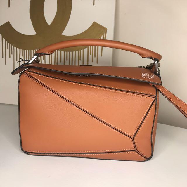 Loewe puzzle bag small in tan