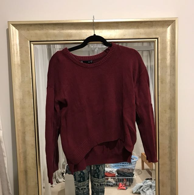 maroon knitted jumper with elbow patches