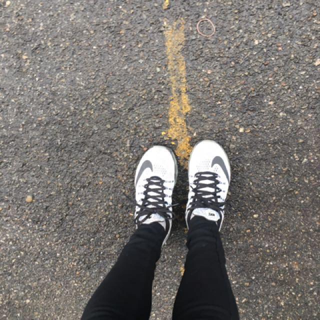 Nike air max白灰