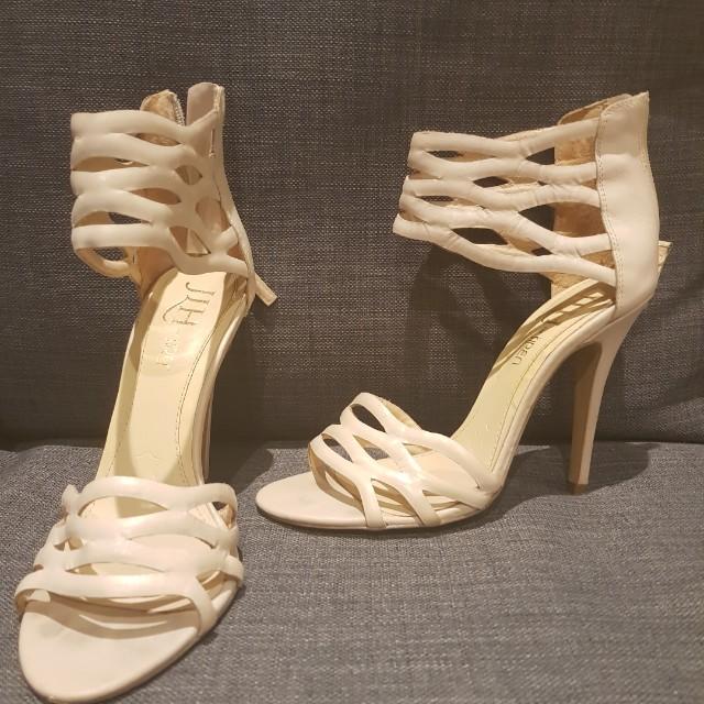 Nude/ cream heels