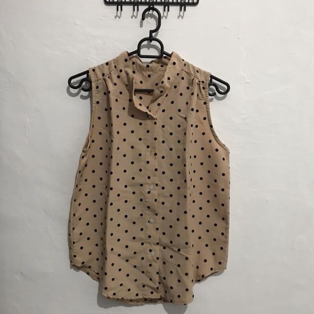 polkadot sleeveless shirt