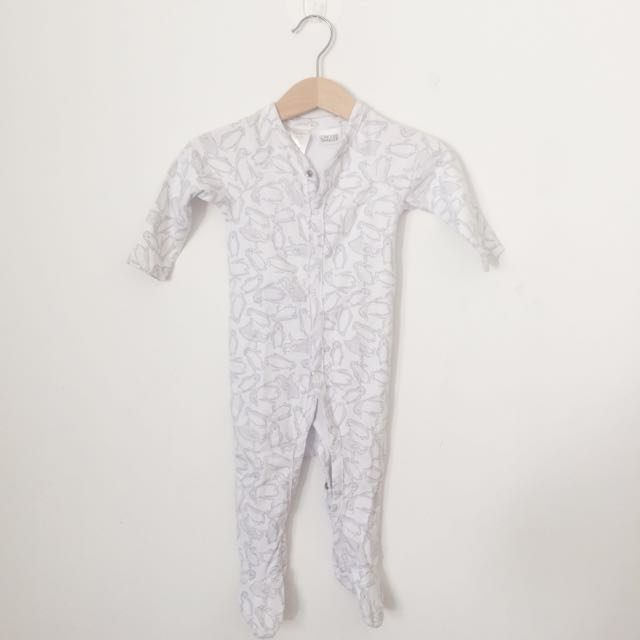 Preloved Sheridan Sleepsuit sz 3-6m