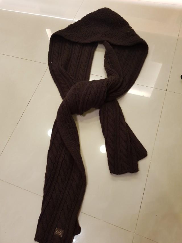 日本ragtag購入 D&g羊毛連帽圍巾 原價11800 售3500快搶只有一條