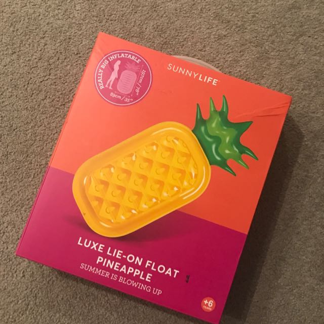 Sunnylife Luxe Lie-on Float Pineapple
