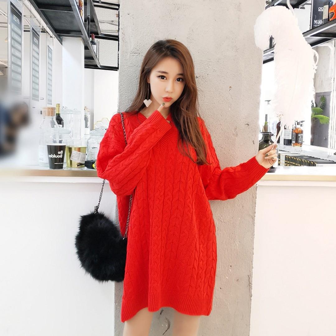 V領寬鬆重磅針織麻花毛衣 中長版連身裙 甜美毛衣裙