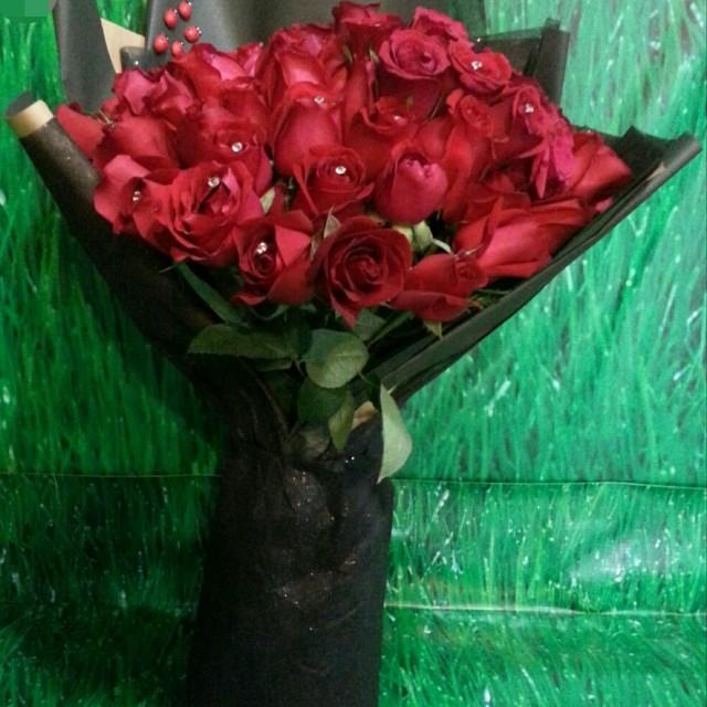 Flower bouquet/birthday bouquet/hand bouquet/anniversary bouquet ...
