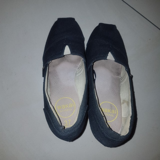WAKAI WEDGES