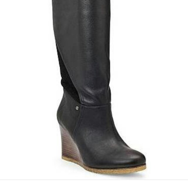 WANT: Ugg Ravenna boots or simular,size 6