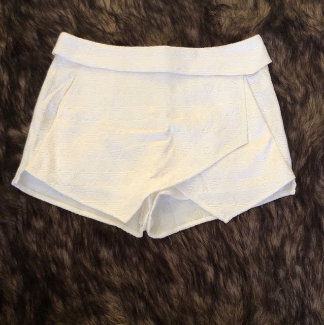 White mini skort
