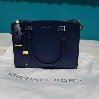 MICHAEL KORS + CALVIN KLEIN BAGS. 2 IN 1.