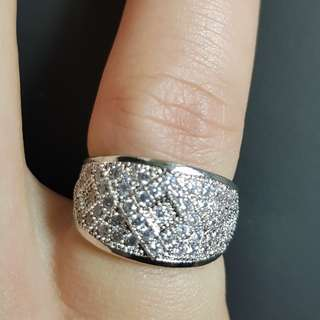Cincin Big Oval Zircon White Gold Plated