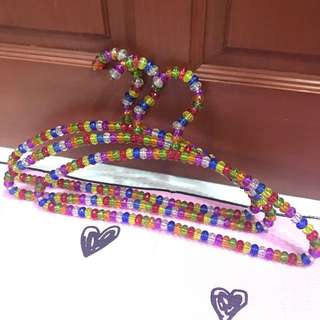 Colourful beaded hangers (5pcs)