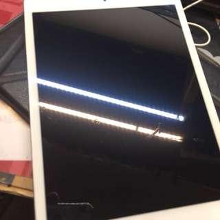 iPad mini 2 32gb silver in good condition