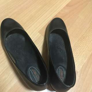 Predictions (Payless) Black Shoes