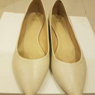典雅尖頭平底包鞋