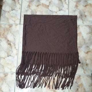 圍巾+上衣+皮裙