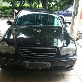 Mobil Mercedes Benz E250