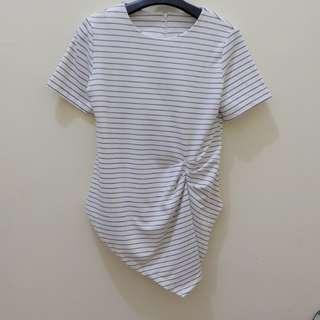 Kaos blouse hitam putih