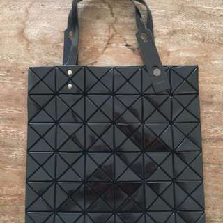 Preloved Excellent Condition - BAOBAO Issey Miyake Lucent Tote (Bag only) 6x6 panels Black