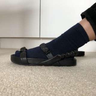 Black Sandals Tony Bianco