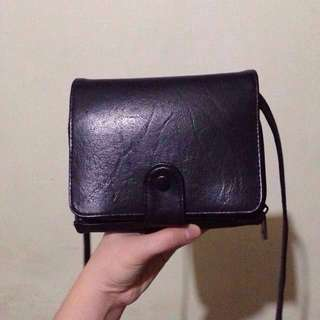 Cross body bag / Wallet  coin & card holder  (Non adjustable, detachable sling)  FOR QUERIES READ THE LAST PICTURE (Dimension & Flaw Questions)- Basahin lahat sa Item Info pati Seller's Profile. Be Responsible & Decisive.
